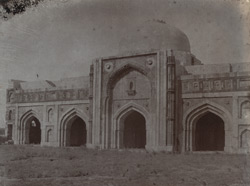 Close view of main façade of the Jamali Kamali Masjid, Delhi
